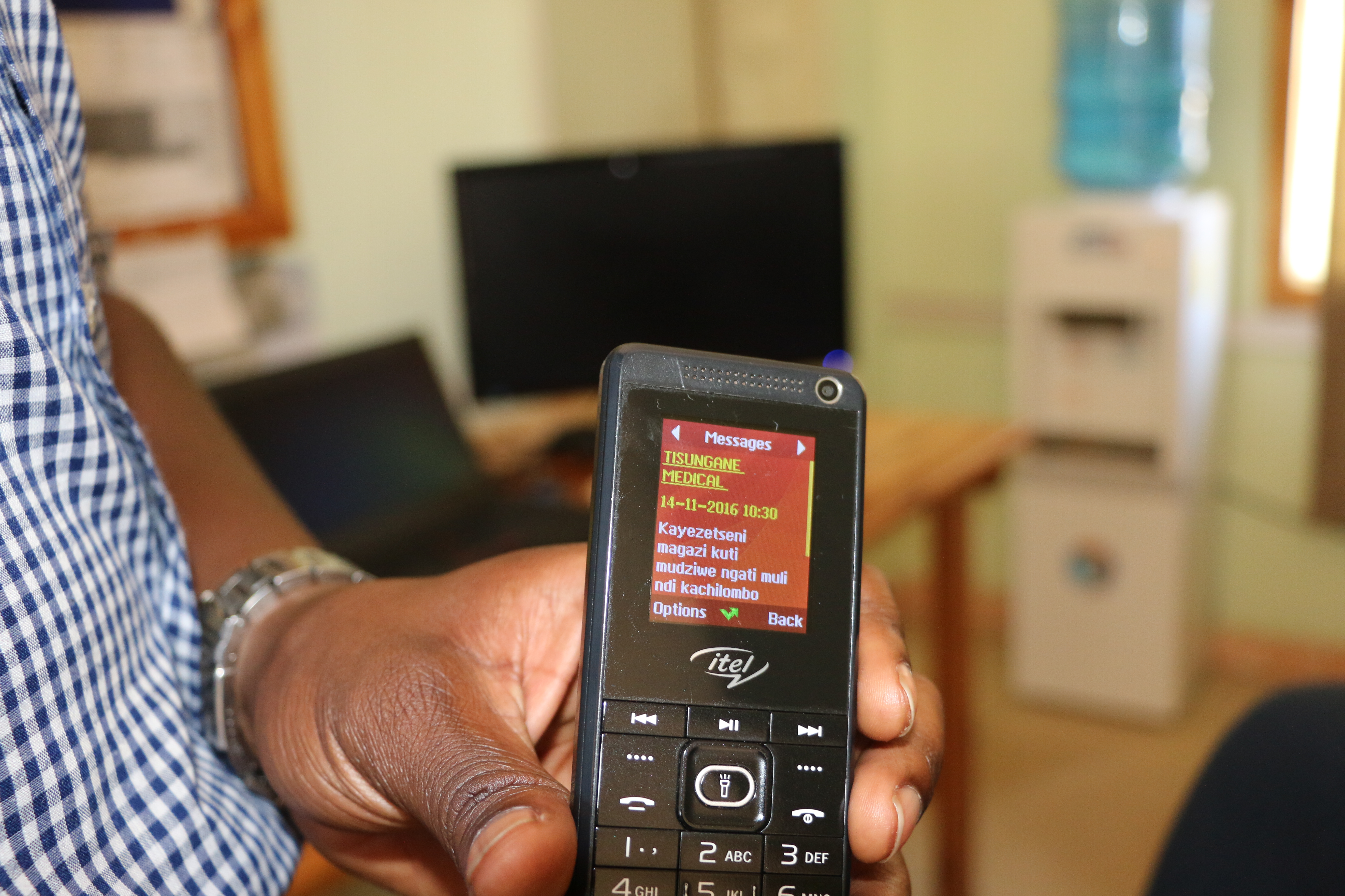 Text-for-Health: New Dignitas app brings diabetes, TB and HIV info to Malawian phones